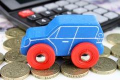Чалькулятор финансов автомобиля Стоковые Фотографии RF