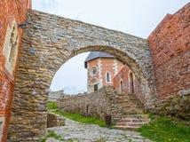 Часовня и стены на замке Medvedgrad Стоковое фото RF