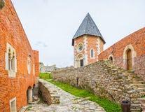 Часовня и стены на замке Medvedgrad Стоковые Фото
