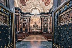 Часовня Святого Casimir с его саркофагом стоковое изображение rf