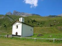 Часовня i Tga горы около Savognin, Швейцарии Стоковое Изображение