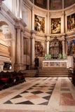 : Часовня Mannerist монастыря или аббатства Jeronimos главная или Capela-Mor, алтар, Retable или Altarpiece и Tabernacle стоковое изображение