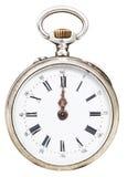 12 часов на шкале ретро карманного вахты Стоковое Изображение