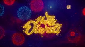 Частицы искры текста счастливого diwali Shubh приветствуя на покрашенных фейерверках