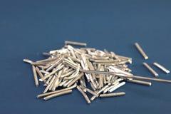 Части алюминиевого провода для химических экспериментов стоковое фото