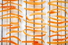 Части апельсиновой корки высушенные на гриле Стоковая Фотография RF