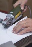 Части вырезывания портняжничанной куртки вдоль плана картины Стоковое Изображение RF