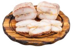 Части горячих копченых рыб стерляжины на борту Стоковые Изображения