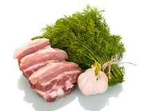 Части грудинки, чеснока и пука свинины укропа изолированных на whi Стоковое Изображение