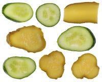 Части зеленого свежего и посоленного огурца Стоковое Фото