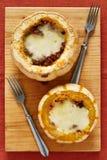 2 части мяса с сыром служили в тыквах Стоковое Изображение