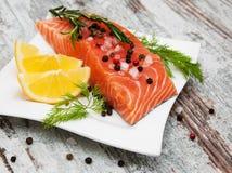 Части свежего salmon филе Стоковые Фотографии RF