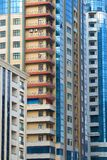 Части современного конца-вверх домов квартиры в высотном доме Современный Баку, Азербайджан Стоковое Фото
