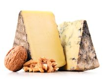 2 части сыра изолированной в белой предпосылке Стоковая Фотография