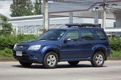 Частная машина, избежание Форда, автомобиль Suv для городского потребителя стоковые фотографии rf