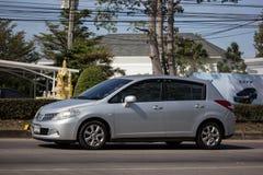 Частная машина, Nissan Tiida стоковая фотография rf