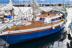Частная шлюпка в гавани ` s Лозанны Стоковое Изображение RF