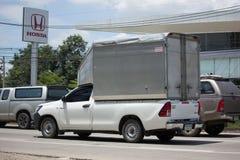 Частный автомобиль Тойота Hilux Revo грузового пикапа с контейнером Стоковое Изображение RF