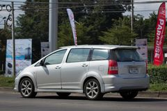 Частный автомобиль MPV, желание Тойота стоковая фотография rf