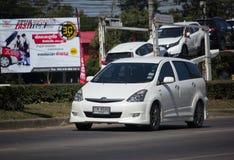 Частный автомобиль MPV, желание Тойота стоковая фотография