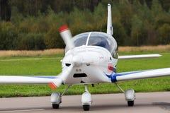 Частный самолет припаркован стоковое изображение
