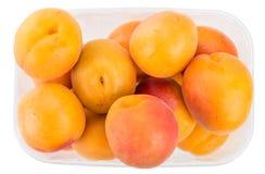 Часть абрикосов изолированных на белизне Стоковые Фотографии RF