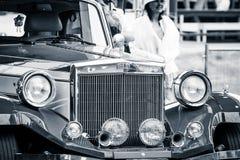 Часть автомобиля в ретро серии II Clenet Coachworks стиля Стоковые Фотографии RF