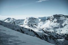 Часть Альп в Австрии, горах Nocky сфотографировала от наклона в февраль стоковое изображение
