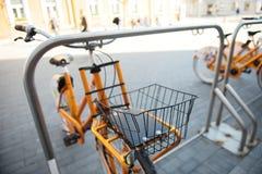 Часть велосипеда в городе стоковое изображение