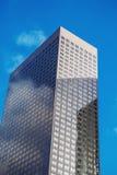 Часть высокотехнологичного офиса фасада современного Стоковые Фото