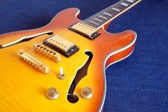 Часть гитар винтажного полу-полого тела электрических Стоковые Фотографии RF