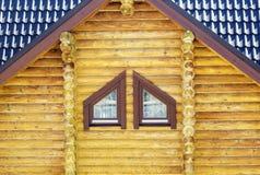 Часть деревянных стены и окна Стоковое Изображение RF