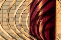 Часть загородки с столбцами металла Ресторан веранды стоковые фото