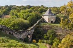 Часть замка Khotyn на береге реки Днестра Украина Стоковые Изображения RF