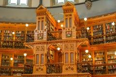 Часть комнаты библиотеки в парламенте Оттавы стоковые фото