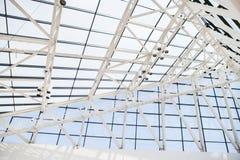 Часть крыши от стеклянных окон и стали внутри Стоковое Изображение RF