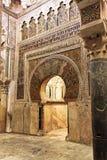 часть мечети cordoba большая внутренняя стоковая фотография