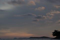 Часть неба белая сформирована красиво, Стоковая Фотография RF