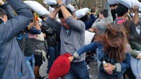 Часть дня 3 92 боя подушками 2016 NYC Стоковые Изображения RF