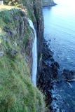 Часть острова Skye северозападная Шотландии Естественные ландшафты лесов, большое количество озер, горных цепей и долин t Стоковые Изображения