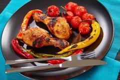 Часть очень вкусных горячих зажаренных ног цыпленка Стоковое Изображение RF