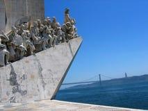 Часть памятника к открытиям к Лиссабону Португалии стоковая фотография rf