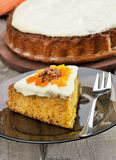 Часть пирога моркови с замороженностью Стоковые Изображения RF