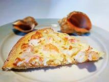 Часть пиццы с морепродуктами стоковые изображения