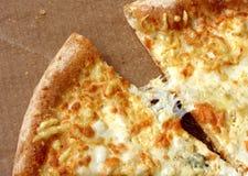 Часть свежих сыров пиццы 4 Стоковые Фотографии RF