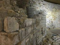 Часть средневекового жалюзи как сохранено в современном музее, Париже, Франции стоковая фотография