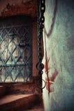 Часть средневековой тюрьмы подземелья Стоковые Изображения