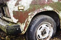 Часть старого ржавого автомобиля Стоковые Изображения