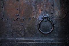 Часть старой двери металла Чернота выковала металлические листы Стоковая Фотография RF