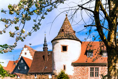 Часть старой стены города в историческом Buedingen, Германии Стоковые Изображения RF